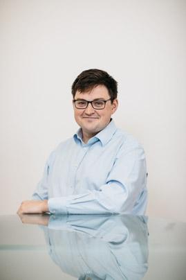 Joshua R Quinn